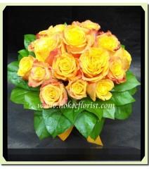 W001-金橙玫瑰花球