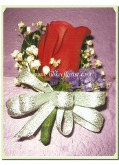 R001-紅玫瑰襟花(滿天星)