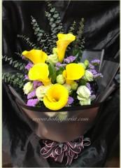 BO011-黃馬蹄蘭 桔梗花束